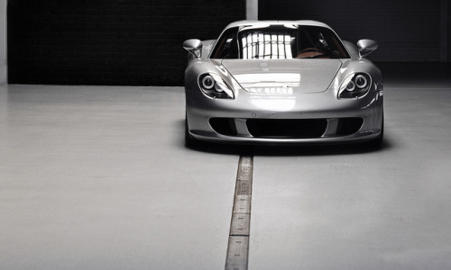 roadandtrack:  cartastic:  Porsche Carrera GT. A beauty that will never age. Photo by Thomas Groenhuijsen.  Agreed.