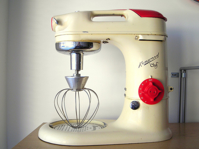 Kenwood Chef A700 by midcenturydesign on Flickr.