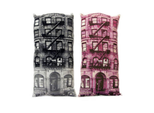 thingsthatlooklikeotherthings:  Pillows That Look Like Buildings