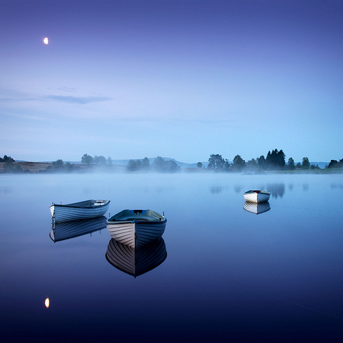 marabc:  Moonlight Blue… (by ouldm01)