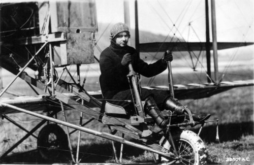 steampunkvehicles:  After teaching pilots to fly in WWI she founded the Ruth Law Flying Circus. Here's a nice site: http://earlyaviators.com/eoliver.htm source:  http://www.hill.af.mil/shared/media/photodb/photos/021009-O-9999G-002.jpg
