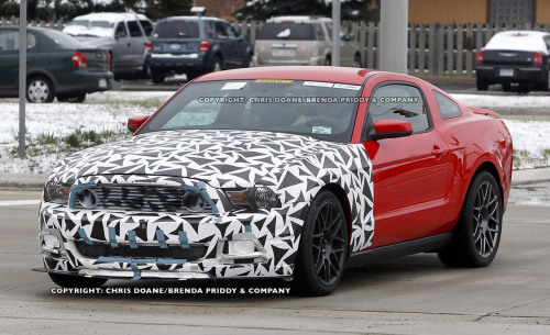 Spy photographers have caught images of the next generation 2013 Ford Mustang GT500 rumbling around on public roads. According to our sources, the next Mustang GT500 could  have between 600-625 bhp – though this seems a tall order with the  current engine. This prototype runs on GT500 wheels and Pirelli P Zero tires.