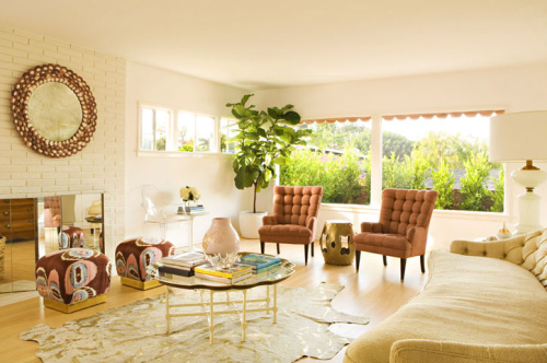 This is one of my all time favorite boho-glam living rooms of all time! By Kristen Hutchins