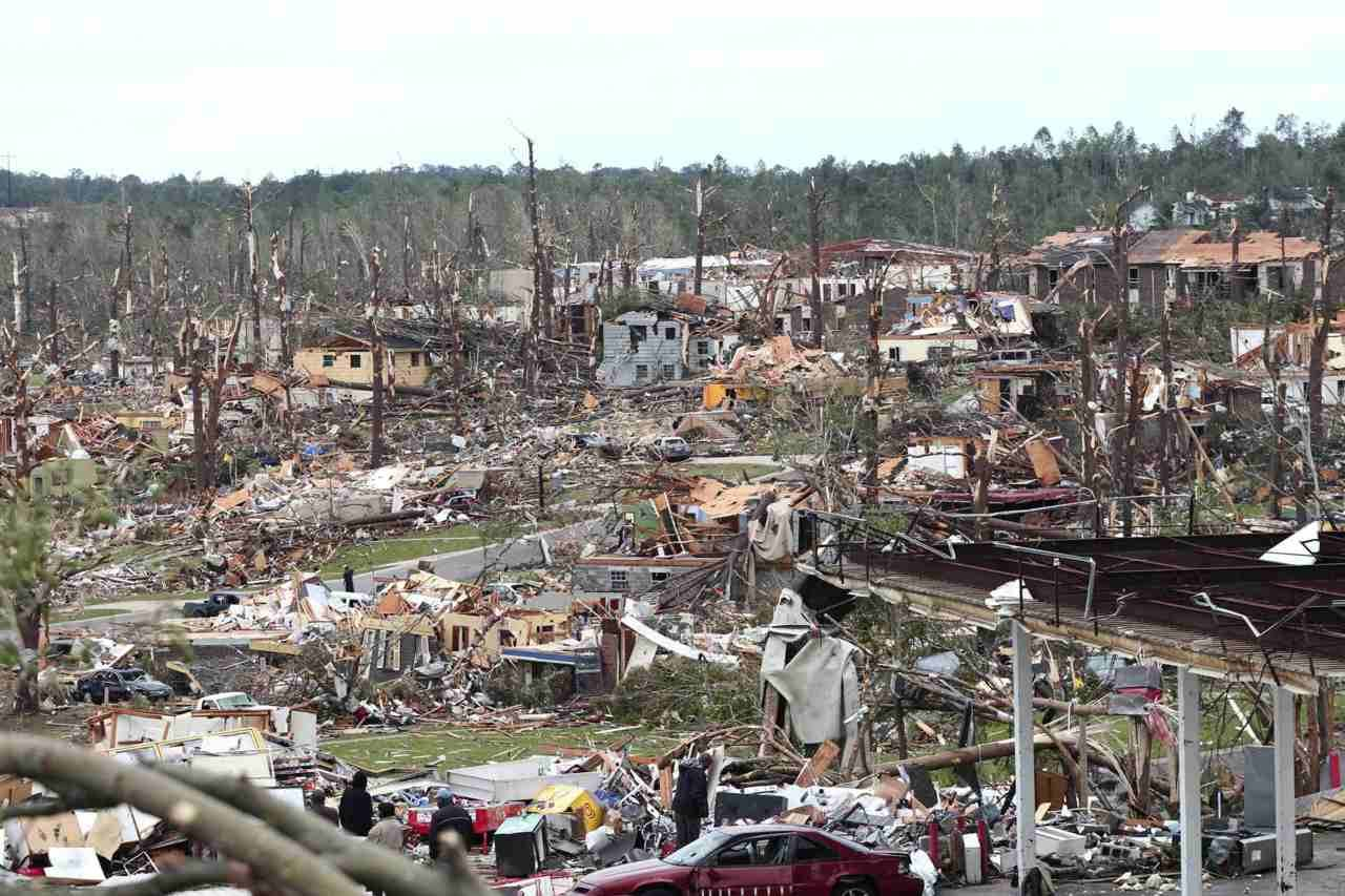 More than 220 dead after tornadoes hit U.S. south Tornadoes and storms carved a trail of destruction across the southern United States, killing over 220 people in one of region's worst weather disasters in years, officials said Thursday.The severe weather killed 131 people in the state of Alabama alone on Wednesday, authorities said, and President Barack Obama said Washington would be rushing assistance to the battered southeastern state.States of emergency were declared in Alabama, Arkansas, Georgia, Kentucky, Mississippi, Missouri, Tennessee and Oklahoma, and governors called out the National Guard to help with rescue and cleanup operations.Photo: Tornadoes left part of Pratt City, a suburb of Birmingham, Alabama, in ruins April 28, 2011. (Marvin Gentry/Reuters)Videos: Tornadoes devastate the southern U.S.Photos: Tornadoes devastate southern United States