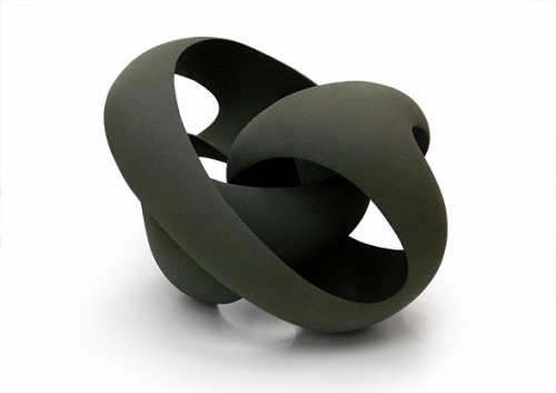 Merete Rasmussen: Twisted Green Loop
