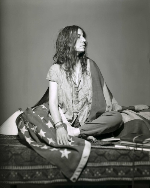 thegirlskeepcomingtothecanyon:  Patti Smith by Robert Mapplethorpe