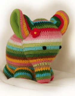 cute crochet elephant! (by Dina´s nest)