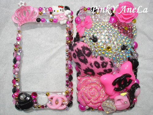 Momoberry Hello Kitty Theme iPhone Case (by Pinky Anela)