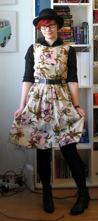 Bowler hat: TargetDress: LindexShirt: No idea, probably thriftedBelt: KappAhl, children's departmentShoes: Jana Fashion, apparentlyWatch: cheapie men's one I picked up while buying plastic champagne flutes The only possible way to describe this dress is 'twee as fuck'.
