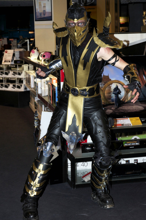 Scorpion (from Mortal Kombat 9)    Via: cosplayquest