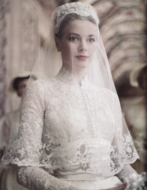 grace kelly wedding day. Grace Kelly on her wedding day