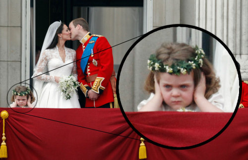 photojojo:  Our personal favorite snap from the Royal Wedding. via BoingBoing