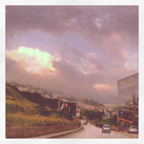#ontheroad #beirutmoodz #cloudy beautiful day #springinlebanon  (Taken with Instagram at Hadath)