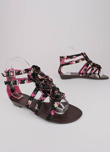 doihaveyoghurtonmyface:  Floral Print Flower T-strap Sandal from GoJane.com Awh I wish It was still summer =[  I love that summer is almost here! I have started to wear my sandals! YEAY!