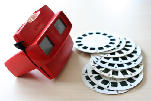 jbryan9999:  ViewMaster: the 3D of the 90s  I just looked through my box of ViewMaster slides a few days ago!  so much love and memories