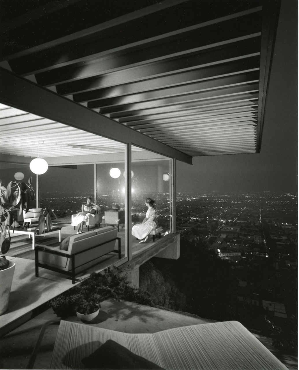 semry:  Case Study House #22, 1960  Julius Shulman (1910-2005)  Auto reblog for Julius Shulman content