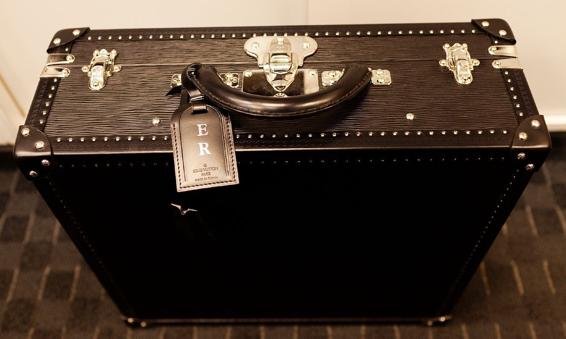 eric ripert's custom louis vuitton chef's toolbox….sick!
