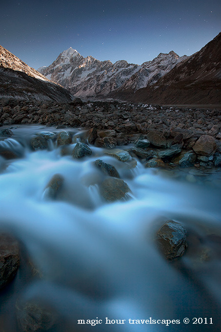 magicalnaturetour:  Aoraki by Moonlight by Kah Kit Yoong :)