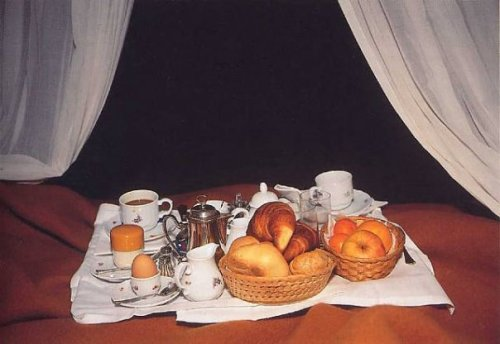 Nan Goldin, Breakfast in bed, 1996
