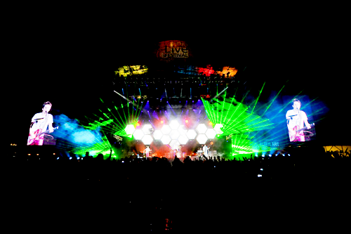 patriincumuse:  AND THAT'S A MUSE GIG.