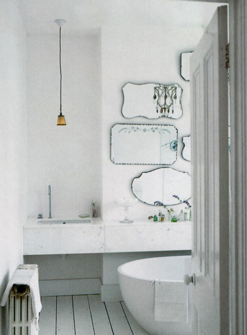 laurosa:  white.mirrors.white.mirrors. love this.