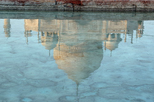 indiaincredible:  Taj Mahal, Agra, India (by j0rune)