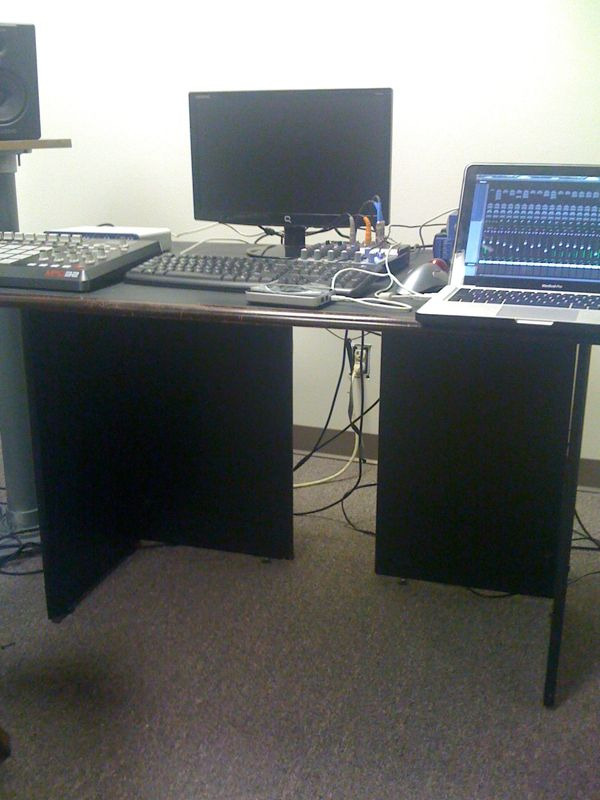 #iPEEZYpicFLOW: MY WORKPLACE… BEATS ALL DAY..