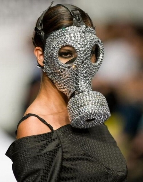 hipsterloli:  SWAROVSKY GAS MASK MY LIFE IS NOW COMPLETE KTHNXBYE  digging that dress as well