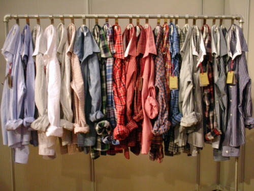 thatkindofwoman:  I own eight Oxford Button ups. Four are men's (thrifted) and four are women's. I need more. Haha.