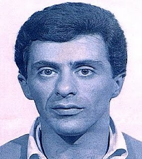 Frankie Valli   Date:  September 1965 Location:  Columbus, Ohio Crime:  Failure to pay hotel bill   Frankie Valli, frontman of the music group, The Four Seasons, was arrested after he and his manager skipped out on a hotel room bill.    Frankie Valli