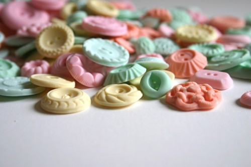 (via button candy » Blog Archive » Yum!!! Real button candy)