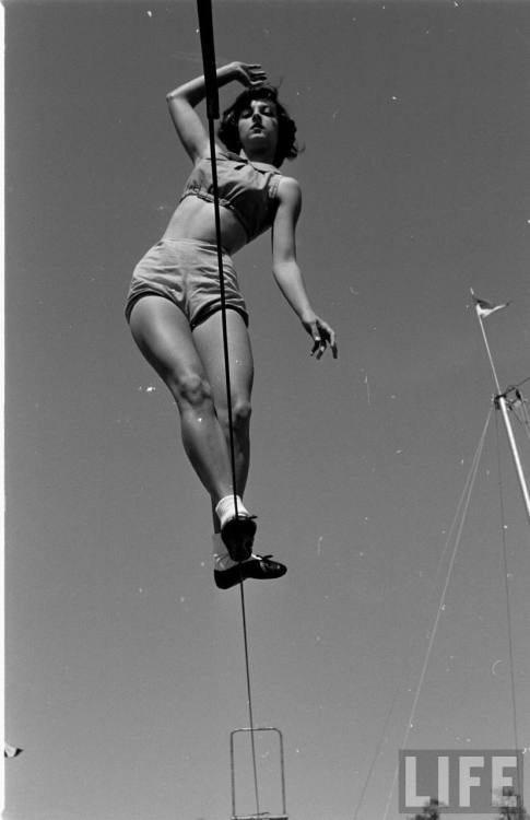 Florida State University student practicing on the tightrope, photographed by Loomis Dean, 1952