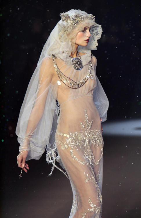 bohemea:Magdalena Frackowiak for Jean Paul Gaultier Fall/Winter 2009