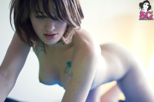"dwam:  Yay ! A new set of my dear Leopoldine on Suicidegirls.com. Leo is a dream to shoot with. Funny, lively, and  graceful. And this is definitely my favourite picture of the set. Click  here to see the whole set ""Fleur Bleue""."