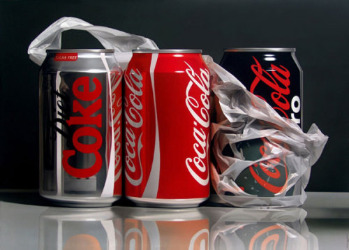 voiceoftheworld:  Pedro Campos' photorealistic paintings seriously had me look twice! I'm utterly amazed that this is NOT real photos. All the shown paintings are oil on canvas. (via Pedro Campos | Photorealist Painter | bumbumbum)