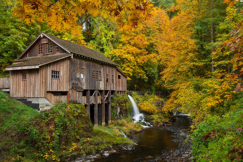zanest:  Cedar Creek Grist Mill by Jesse Estes on Flickr.