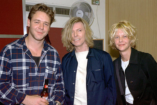 An awkward-looking photo from back when Meg Ryan and Russell Crowe were an item.