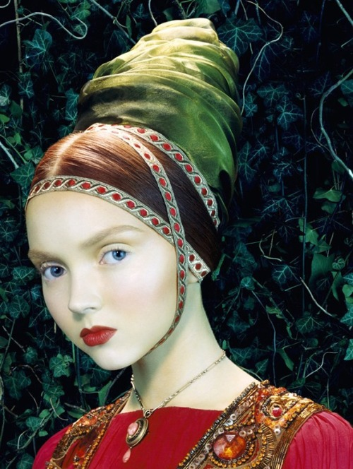 sisterwolf:  Lily Cole by Miles Aldridge  Like a painting | Lily Cole by Miles Aldridge for Vogue Italia February 2005
