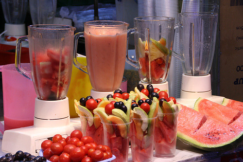 thereluctantrawfoodist:  I could eat at this place! Hey I do have a smoothie page if you haven't already noticed it.. click here x