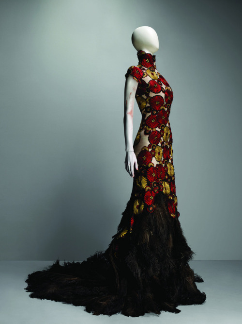 "omgthatdress:  Alexander McQueen ""VOSS"" dress ca. 2001"