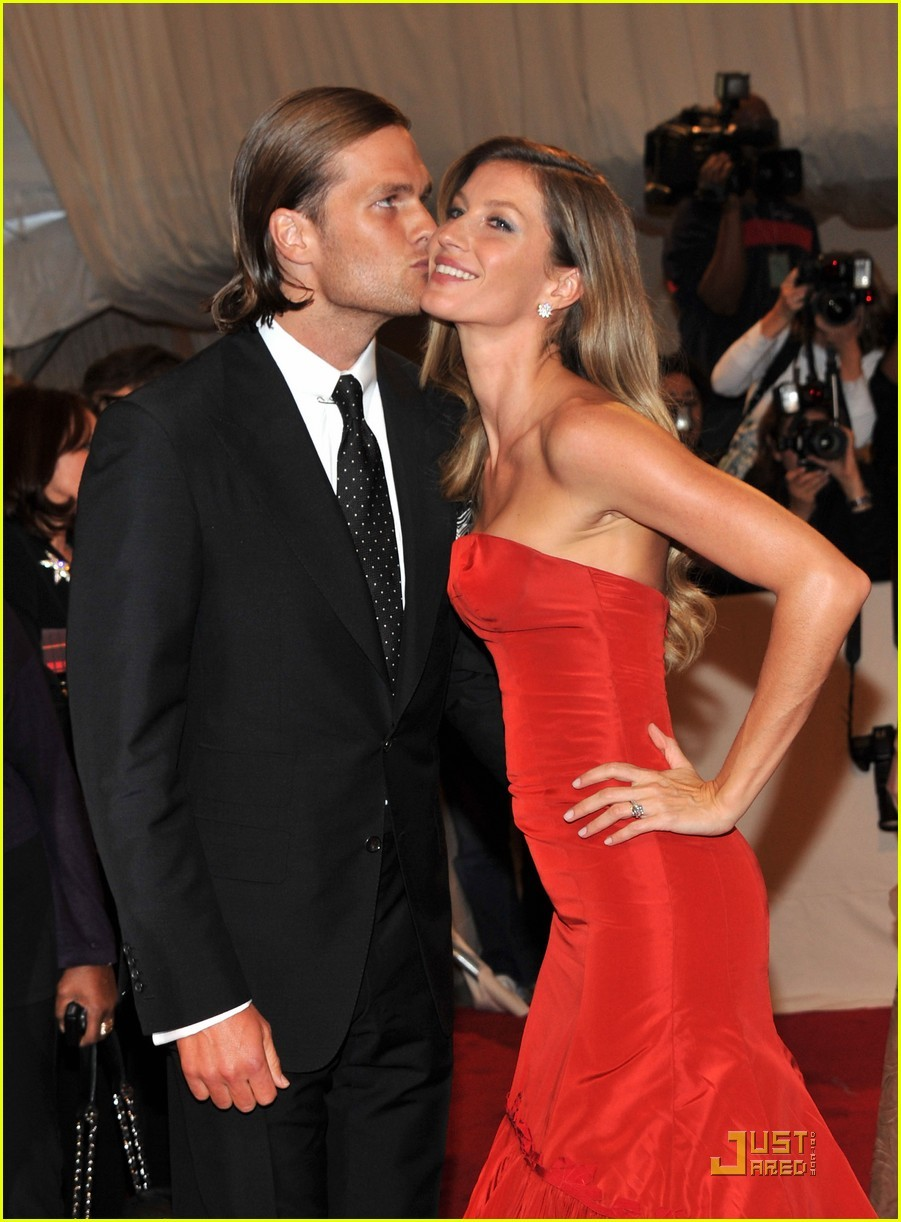 Ew (via Gisele Bundchen - MET Ball 2011 | Just Jared)