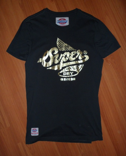 SUPERDRY T-SHIRTSize: SColour: Greyish black & GoldCondition: Never worn, Brand new without tagsSelling for: $35  SOLD