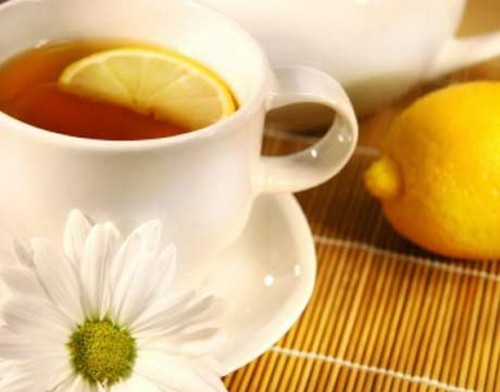 TOP 10 HEALTH BENEFITS OF DRINKING TEA   1. Tea contains antioxidants. Like the Rust-Oleum  paint that keeps your outdoor furniture from rusting, tea's antioxidants  protect your body from the ravages of aging and the effects of  pollution. 2. Tea has less caffeine than coffee. Coffee usually  has two to three times the caffeine of tea (unless you're a fan of  Morning Thunder, which combines caffeine with mate, an herb that acts  like caffeine in our body). An eight-ounce cup of coffee contains around  135 mg caffeine; tea contains only 30 to 40 mg per cup. If drinking  coffee gives you the jitters, causes indigestion or headaches or  interferes with sleep — switch to tea. 3. Tea may reduce your risk of heart attack and stroke.  Unwanted blood clots formed from cholesterol and blood platelets cause  heart attack and stroke. Drinking tea may help keep your arteries smooth  and clog-free, the same way a drain keeps your bathroom pipes clear. A  5.6-year study from the Netherlands found a 70 percent lower risk of  fatal heart attack in people who drank at least two to three cups of  black tea daily compared to non-tea drinkers. 4. Tea protects your bones. It's not just the milk  added to tea that builds strong bones. One study that compared tea  drinkers with non-drinkers, found that people who drank tea for 10 or  more years had the strongest bones, even after adjusting for age, body  weight, exercise, smoking and other risk factors. The authors suggest  that this may be the work of tea's many beneficial phytochemicals. 5. Tea gives you a sweet smile. One look at the  grimy grin of Austin Powers and you may not think drinking tea is good  for your teeth, but think again. It's the sugar added to it that's  likely to blame for England's bad dental record. Tea itself actually  contains fluoride and tannins that may keep plaque at bay. So add  unsweetened tea drinking to your daily dental routine of brushing and  flossing for healthier teeth and gums. 6. Tea bolsters your immune defenses. Drinking tea  may help your body's immune system fight off infection. When 21  volunteers drank either five cups of tea or coffee each day for four  weeks, researchers saw higher immune system activity in the blood of the  tea drinkers. 7. Tea protects against cancer. Thank the  polyphenols, the antioxidants found in tea, once again for their  cancer-fighting effects. While the overall research is inconclusive,  there are enough studies that show the potential protective effects of  drinking tea to make adding tea to your list of daily beverages. 8. Tea helps keep you hydrated. Caffeinated beverages, including tea, used to be on the list of beverages that didn't contribute to our daily fluid needs. Since caffeine is a diuretic and  makes us pee more, the thought was that caffeinated beverages couldn't  contribute to our overall fluid requirement. However, recent research  has shown that the caffeine really doesn't matter — tea  and other caffeinated beverages definitely contribute to our fluid  needs. The only time the caffeine becomes a problem as far as fluid is  concerned is when you drink more than five or six cups of a caffeinated  beverage at one time. 9. Tea is calorie-free. Tea doesn't have any  calories, unless you add sweetener or milk. Consuming even 250 fewer  calories per day can result in losing one pound per week. If you're  looking for a satisfying, calorie-free beverage, tea is a top choice. 10. Tea increases your metabolism. Lots of people  complain about a slow metabolic rate and their inability to lose weight.  Green tea has been shown to actually increase metabolic rate so that  you can burn 70 to 80 additional calories by drinking just five cups of  green tea per day. Over a year's time you could lose eight pounds just  by drinking green tea. Of course, taking a 15-minute walk every day will  also burn calories.