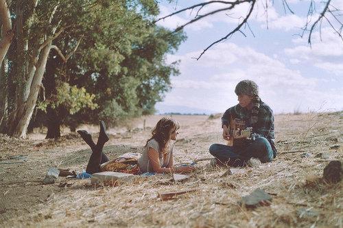 minhavidasemti:  Músicas:Falam em poucas palavras tudo o que sentimos por alguém.
