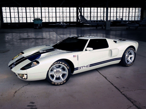 itcars:  Ford GT40 concept (which became the current Ford GT)