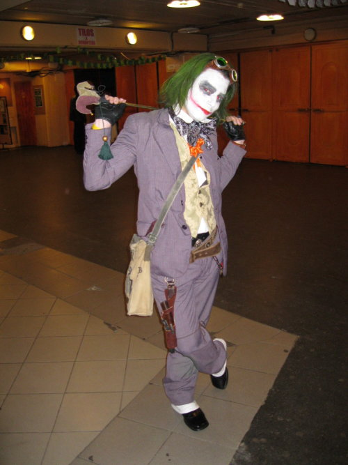 Steampunk Joker Cosplay by Lord-Vincent on Deviantart. (Source)