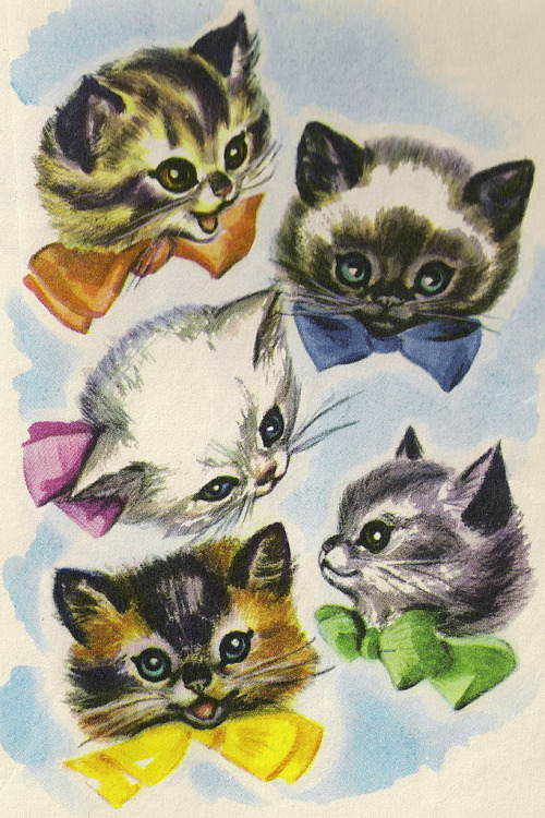 I remember these kittens from my childhood! But what were they from? Oh, they're so cute. ;__;