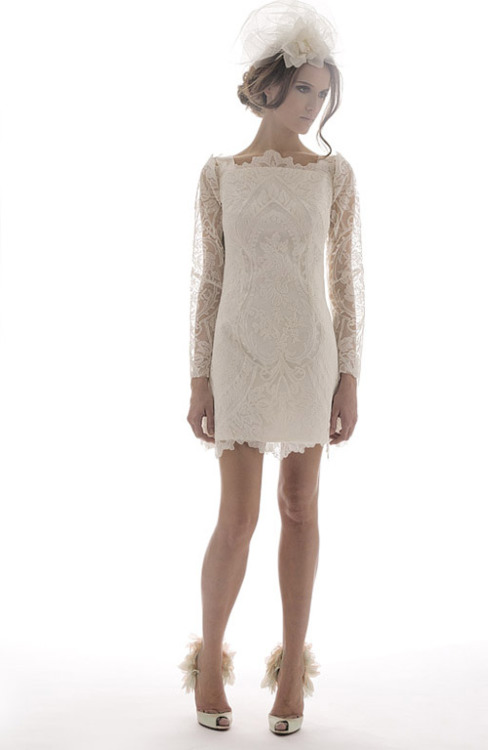 Loving this Kate Middleton-inspired lace dress. It can be so old-fashioned and modern at the same time.
