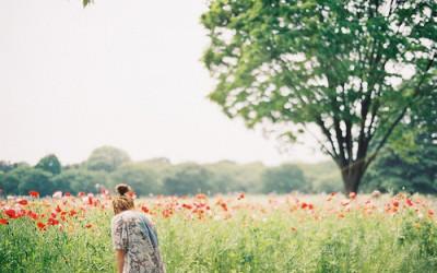 Pai, tire do meu coração todo sentimento que não vem de ti. Aqueles que querem me afastar do Senhor, e até mesmo os que eu desconheço. (SCJ)