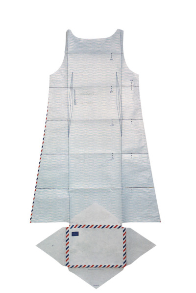 Airmail dress in Tyvek envelope (1999), Hussein Chalayan